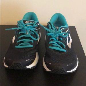 Brand new brooks sneakers